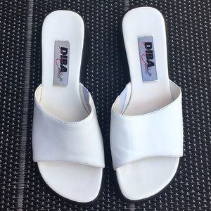 Vintage White Slides / Slip on Sandals Size 7.5